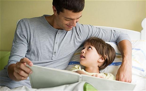 dad-bedtime_281704_2909613b.jpg