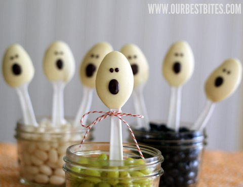 Turn-leftover-picnic-supplies-into-reusable25252C-adorable-Halloween-decorations.png